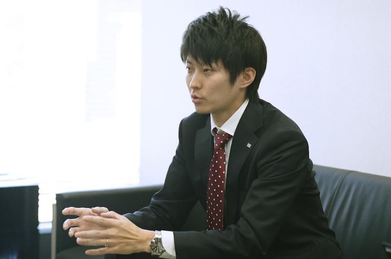 一瀬龍太朗さんは、2016年からリンクアンドモチベーションのIR活動を担当している